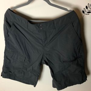 Columbia Womens Grey Sun Protection Shorts size 16